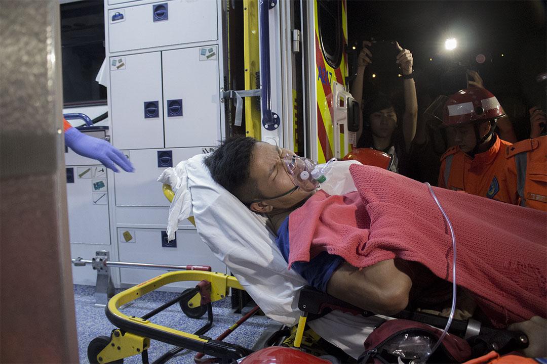 一受傷消防員送院。