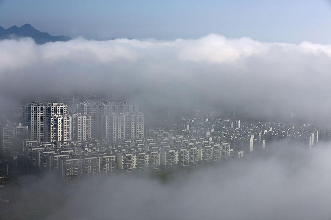 中國安徽省黃山市建築中大型住宅區。