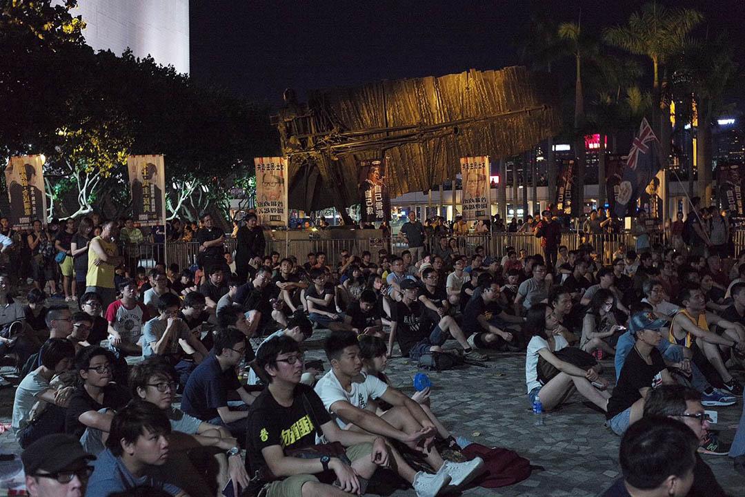 熱血公民、普羅政治學苑以及香港復興在尖沙咀、觀塘、大圍等地舉行集會。圖為尖沙咀集會。