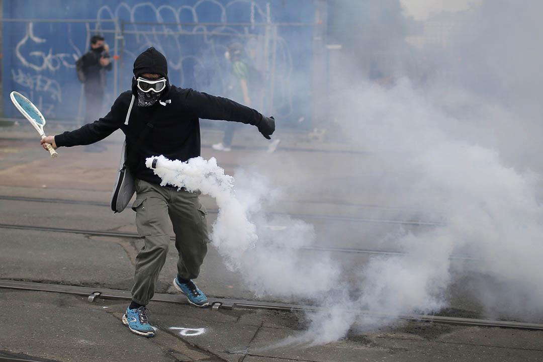 2016年6月2日,法國南特,示威者抗議政府提出的勞動法改革。