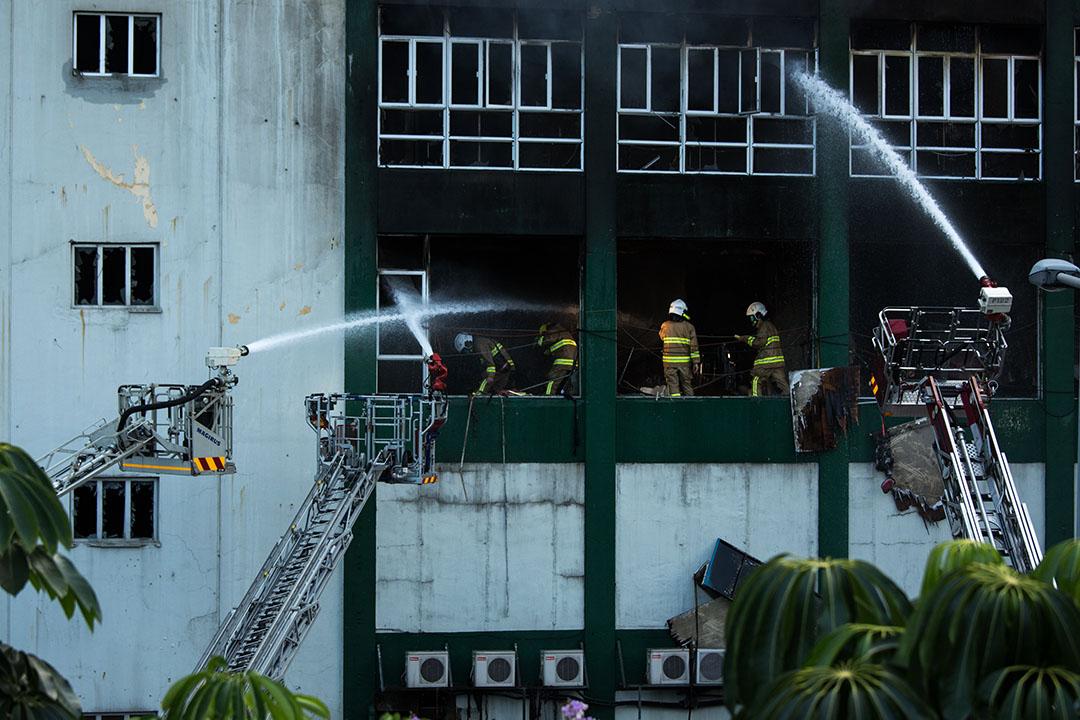 港府設跨部門專案組調查迷你倉火災。
