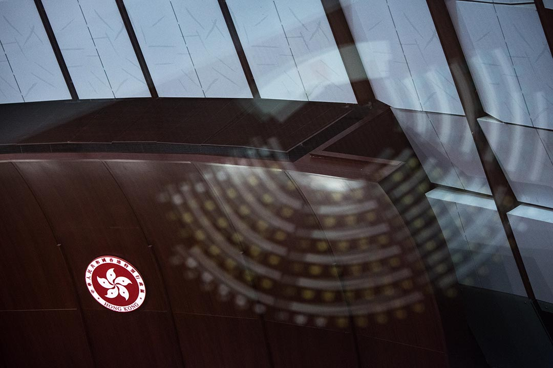 立法會選舉9月舉行,本報上周報道,財團為發揮政治影響力,利用旗下離岸公司登記成為選民,令其在界別內票數增加。