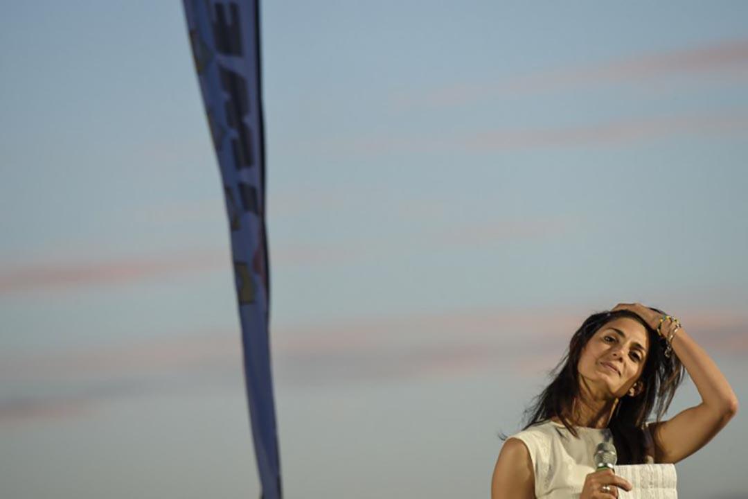 拉吉(Virginia Raggi)當選意大利羅馬首位女性市長。