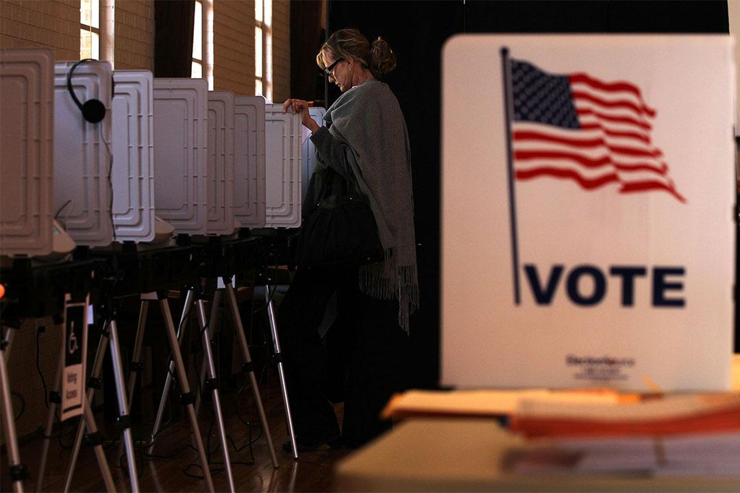 圖為2012年3月6日美國喬治亞州一個票站內,當地居民於超級星期二投票的情況。