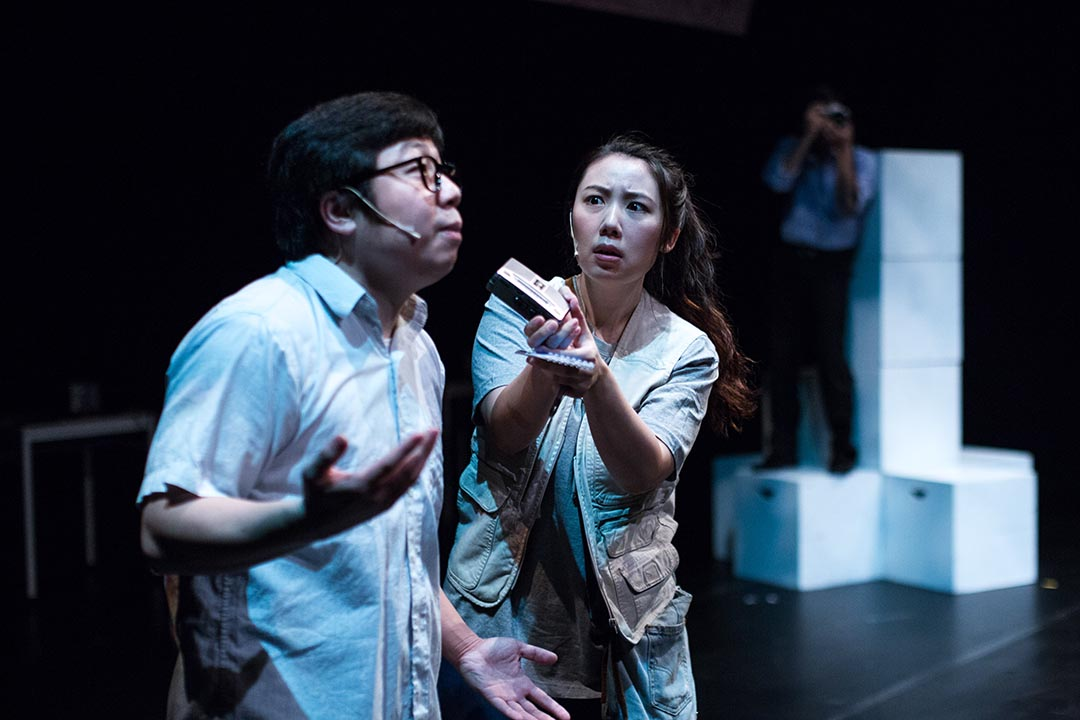 2009年,六四舞台推出第一個劇目《在廣場放一朵小白花》,以天安門母親的視角,回望過去。該劇目過去數年持續進行學校巡演計畫。