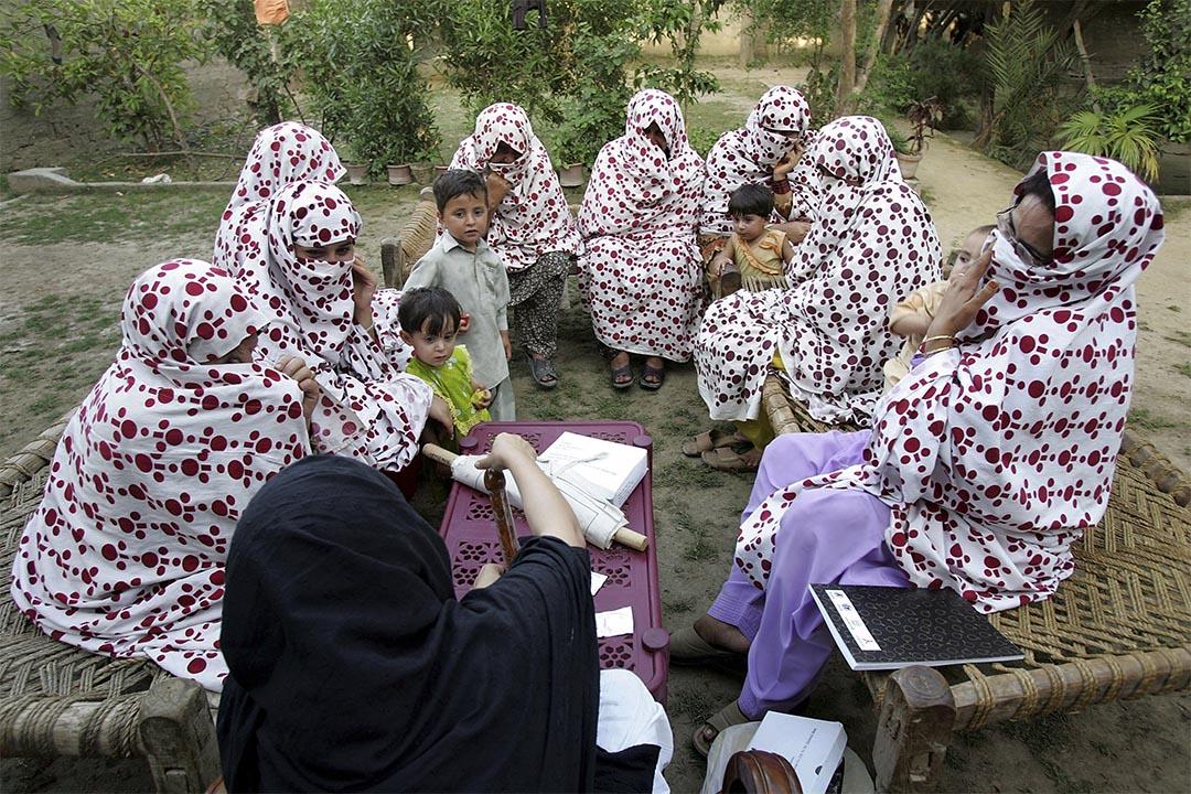 一班穆斯林婦女在上安全性教育課。