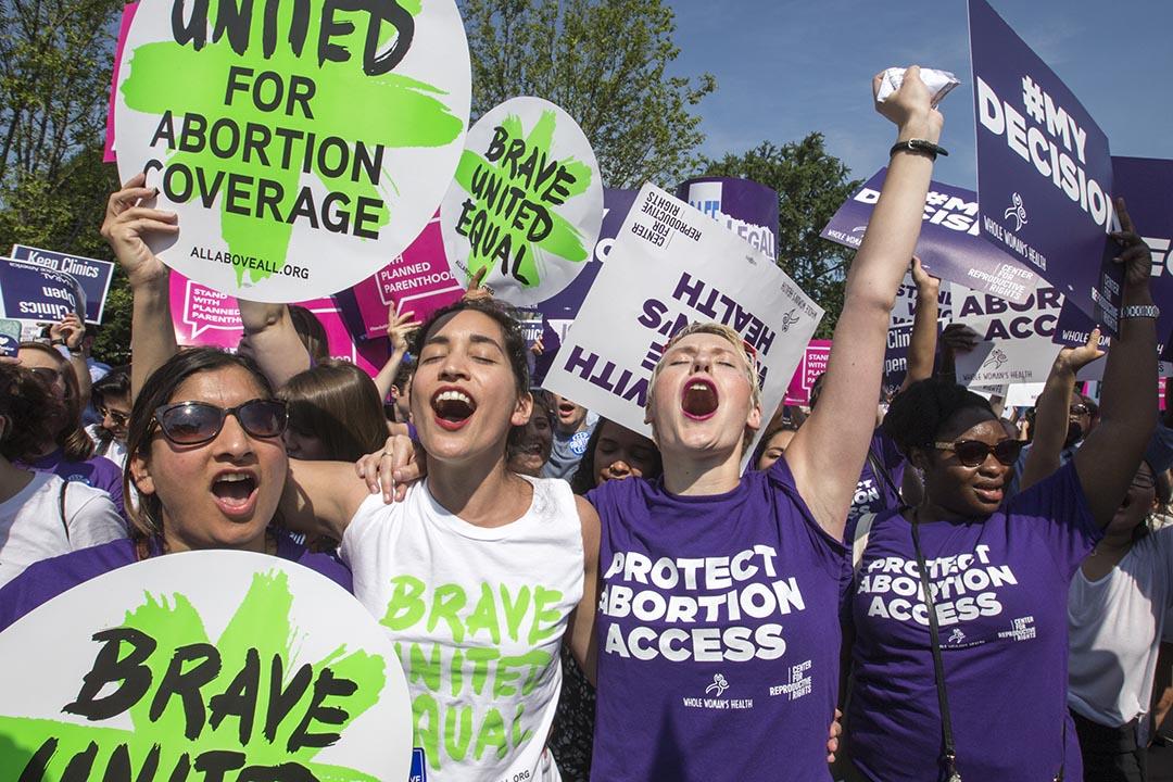 美國聯邦最高法院以5-3的票數否決了德州在2013年通過的墮胎法。