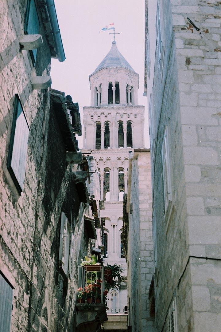 Cathedral of Saint Domains內的 Bell Tower 曾是市內最高的建築,守望著整個 Split 的發展。作者提供