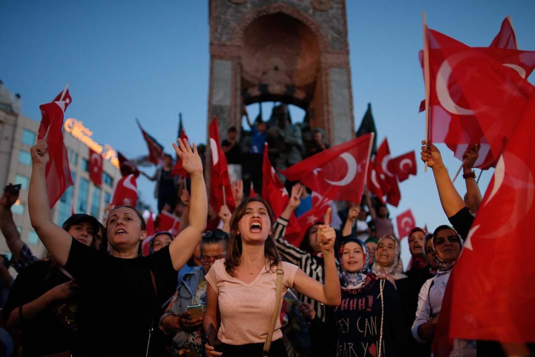 土耳其总统厄多安的支持者上街慶祝。