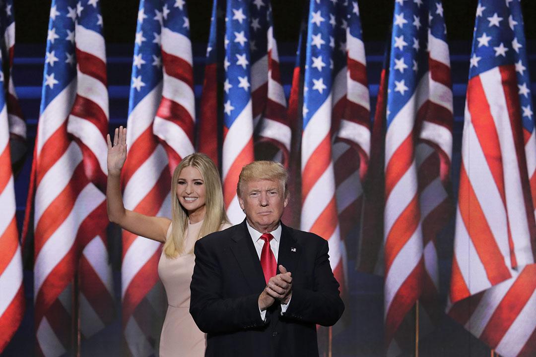 美國共和黨總統參選人特朗普(Donald Trump)與女兒伊萬卡特朗普(Ivanka  Trump)。