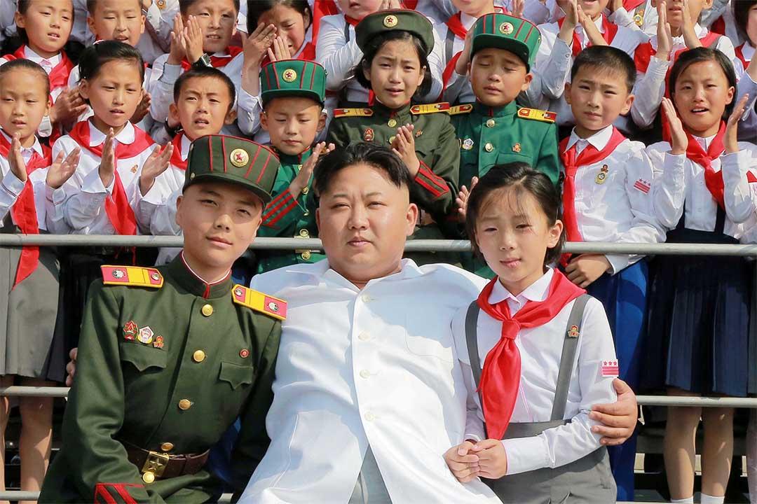 美國宣佈制裁朝鮮高官,金正恩名列榜首。 圖為2016年6月8日,金正恩出席兒童組織活動。