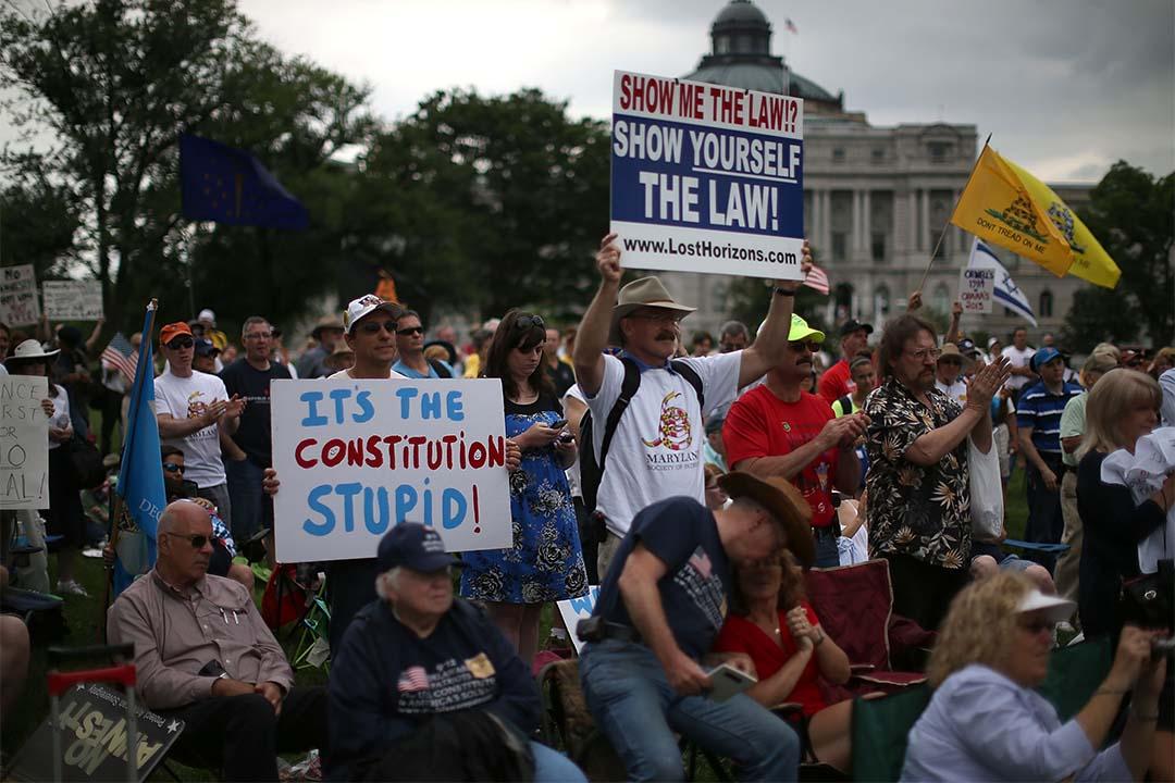 2013年6月19日,美國華盛頓, 茶黨支持者參與示威,抗議國家稅務局刁難保守派團體。