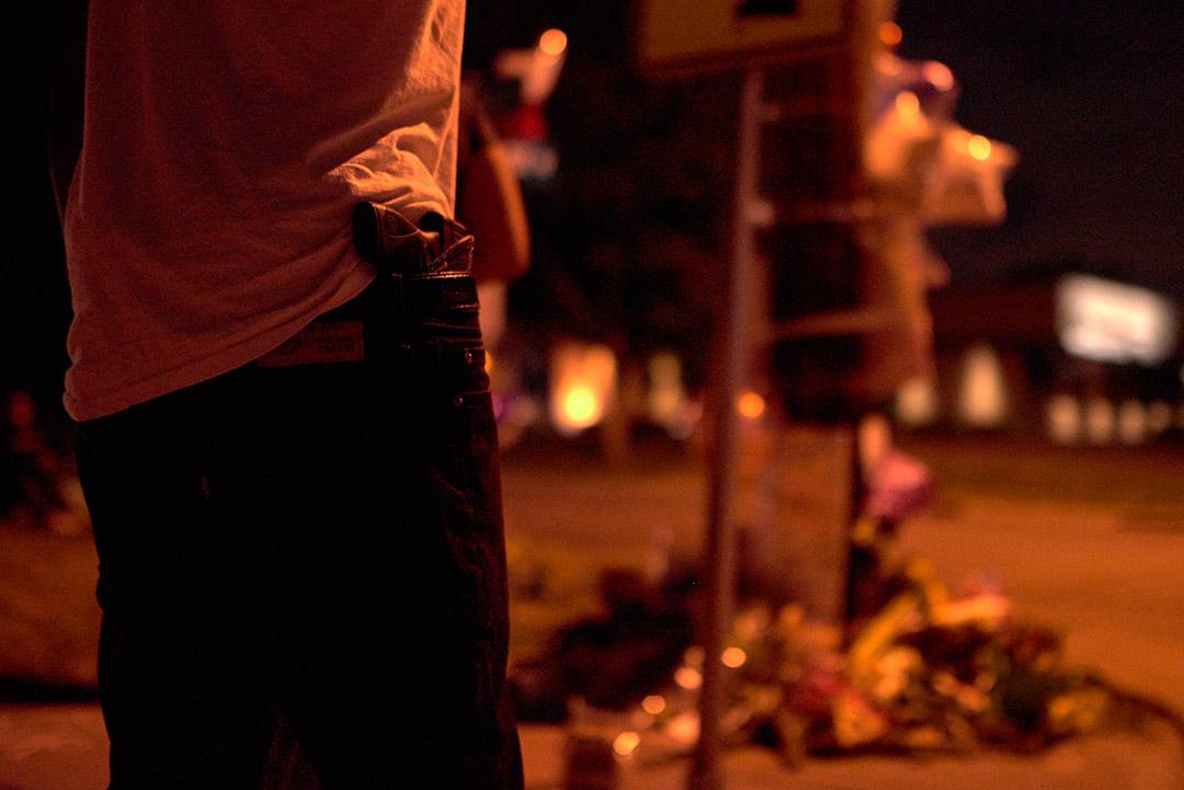 在明尼蘇達州的抗議行動中,有示威者持有槍械。