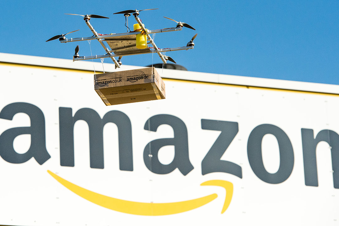 Amazon 將與英國政府合作,試驗無人機快遞服務。