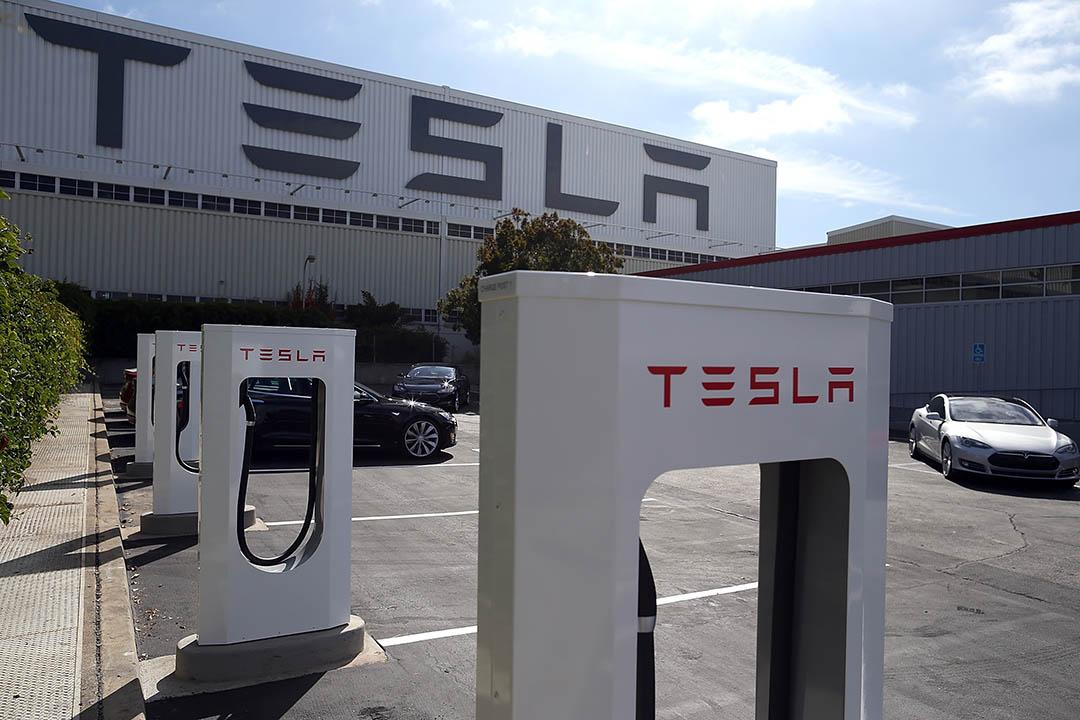 特斯拉公佈「超級計劃」(master plan),宣布將推出電動卡車與巴士、車輛共享與太陽能係統業務。