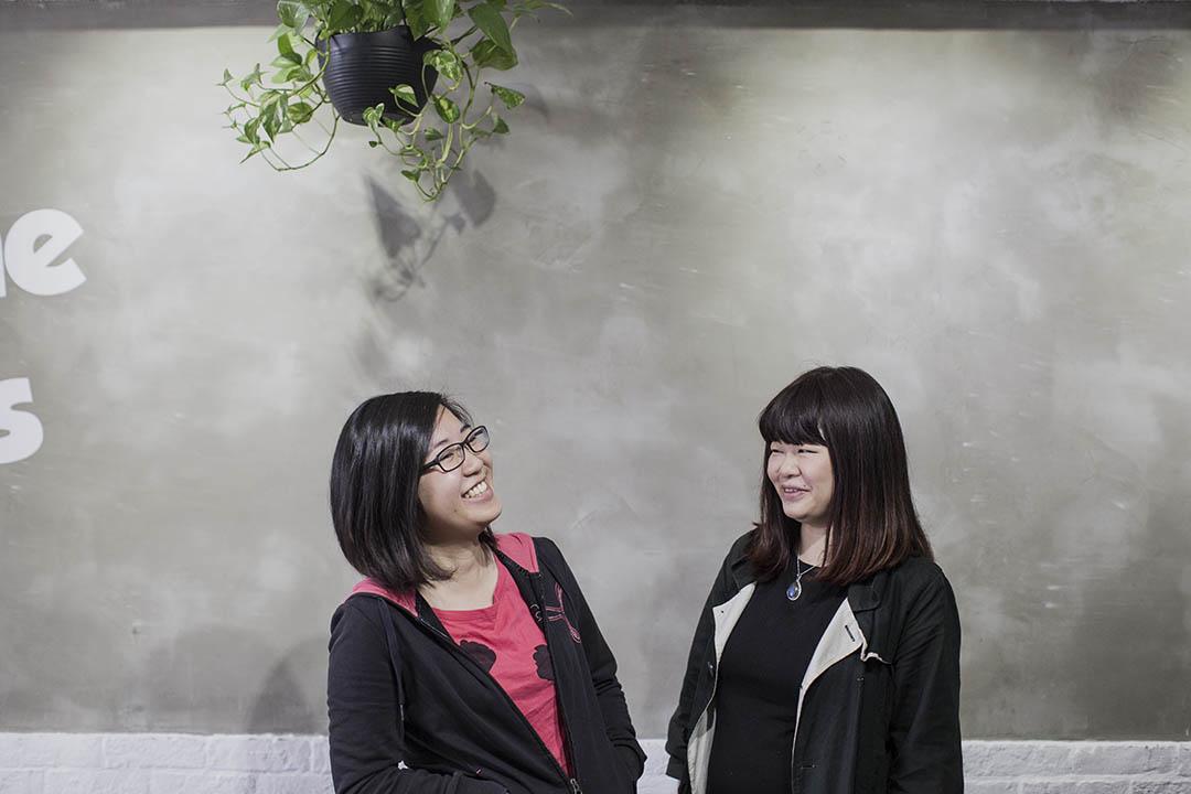 推廣月事用品的Zoe Chan與洪曉嫻談月事。