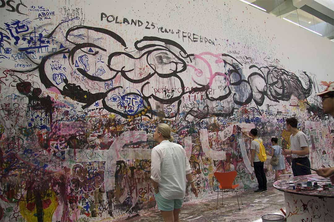 2014年5月到8月波蘭藝術家Pawel Althamer個展,展出探討身份的《威尼斯人》和邀請觀眾介入的《繪圖者的集會》,話說不許拍照,唯有偷偷為「POLAND  25 YEARS OF FREEDOM」拍個見證。