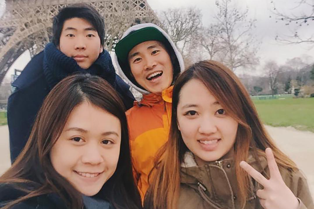 鄧梓晴(左下)。