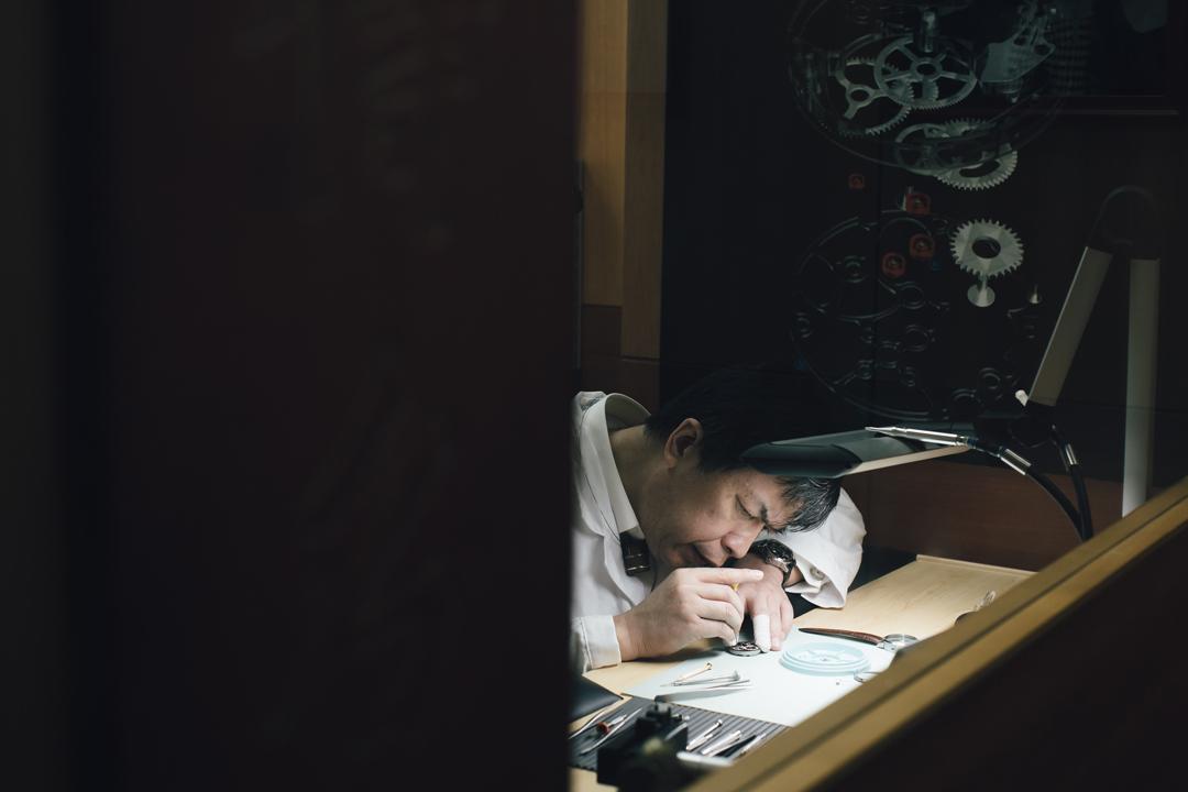 以細緻、耐心創造秩序的過程,對製錶師沈墨寧來說是種享受。