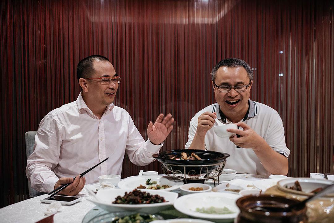 在深圳轉眼居住20年的「老亨」和「金心異」,笑談自己已經步入了「老年危機」。