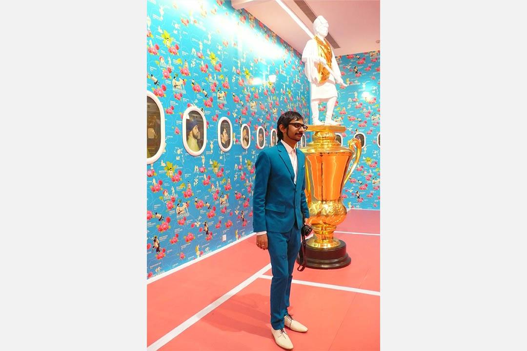 2010年底與「劉小東:金城小子」同期舉行的印度藝術家(Thukral & Tagra)展覽「既定遊戲」,策展人刻意將兩種「家/家鄉」概念對照:一邊是中國悲情式寫實,這邊快樂地玩弄後現代折衷主義。