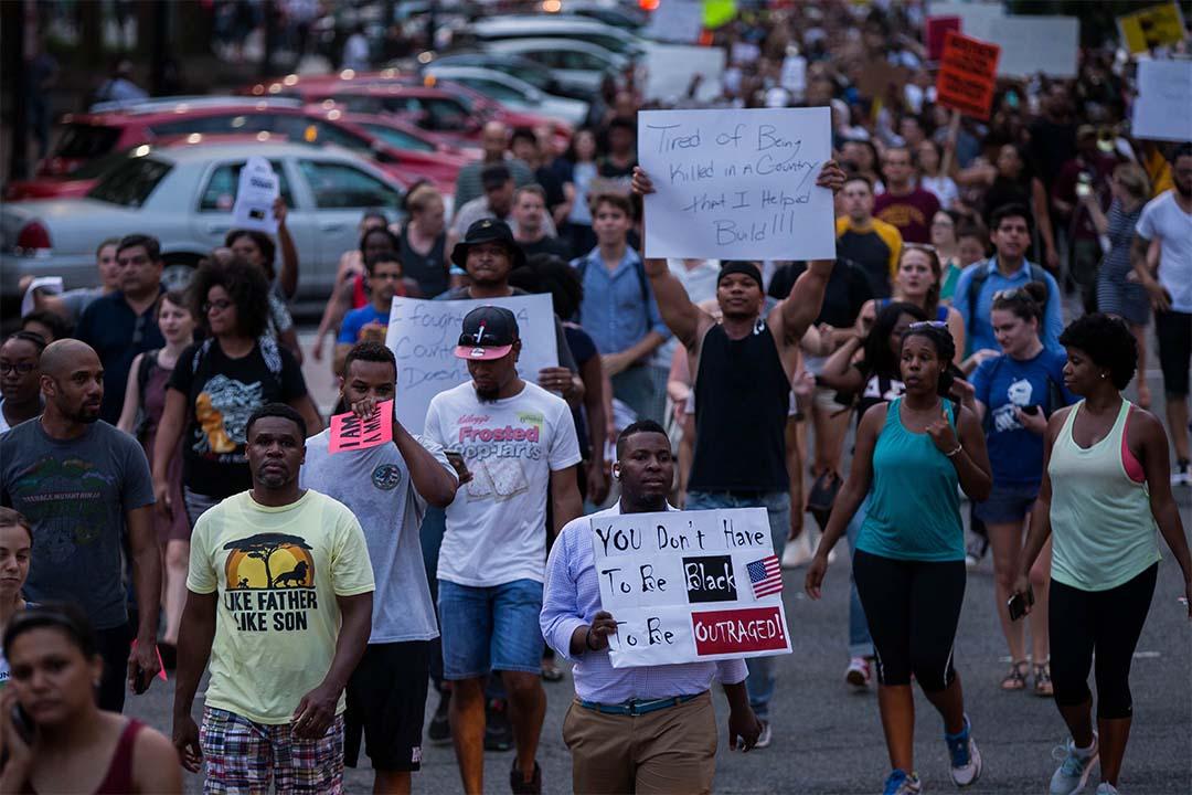 2016年7月7日,美國再有警察射殺黑人,有示威者遊行到白宮表達不滿。