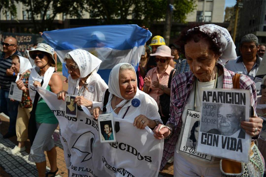2015年12月3日,阿根廷布宜諾斯艾利斯,五月廣場母親成員在五月廣場聚集遊行。