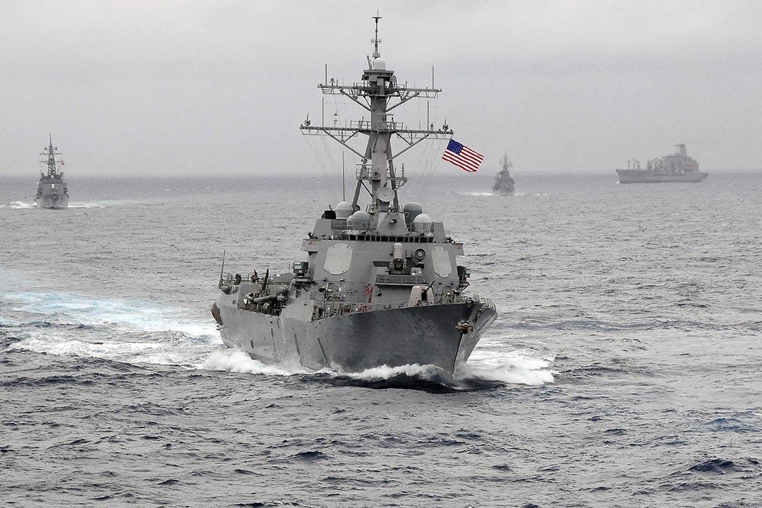美國軍艦於南海巡視。