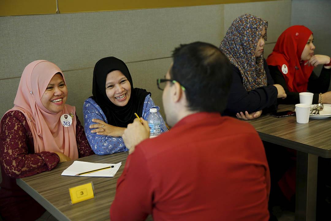 馬來西亞吉隆坡,清真極速約會的參加者。