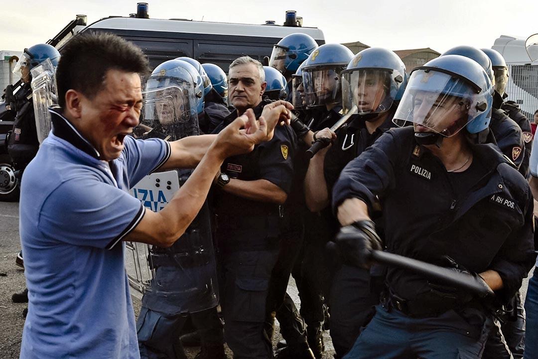 佛羅倫薩的Sesto Fiorentino區華人和警方發生激烈衝突。