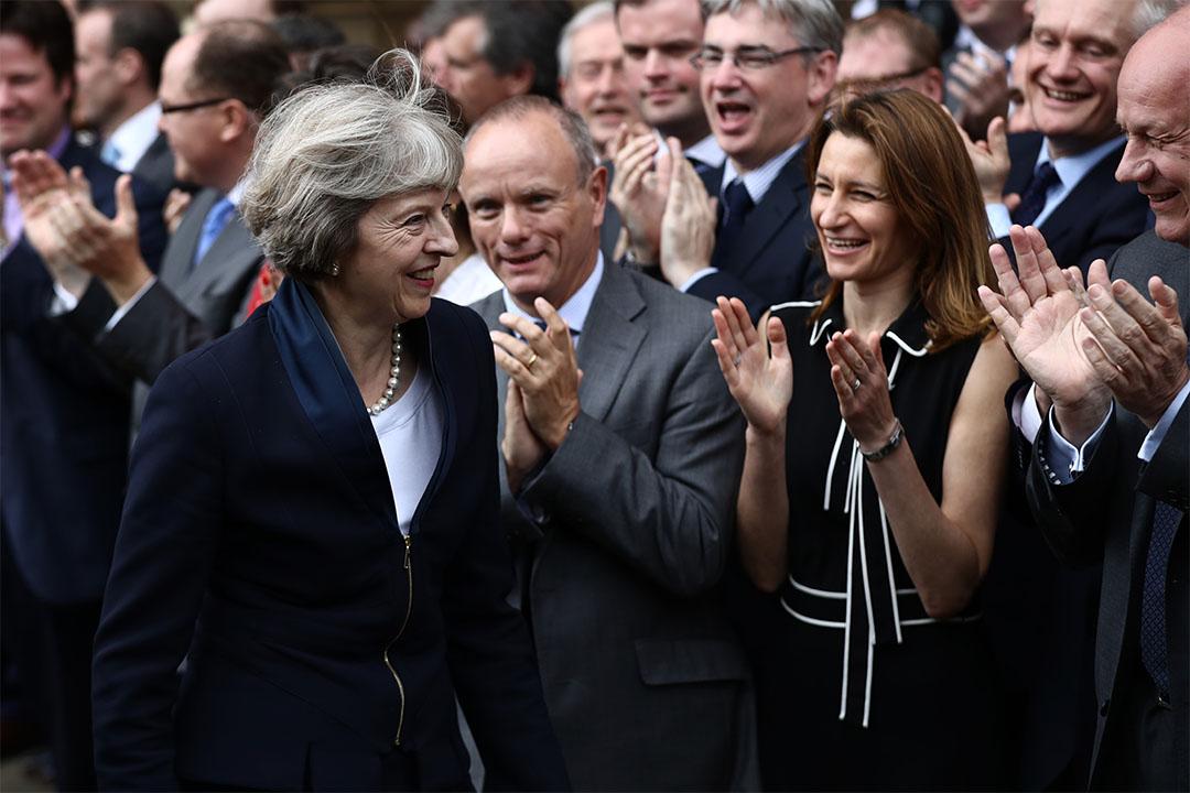 2016年7月11日,英國內政大臣文翠珊接受保守黨成員歡迎,準備演說。