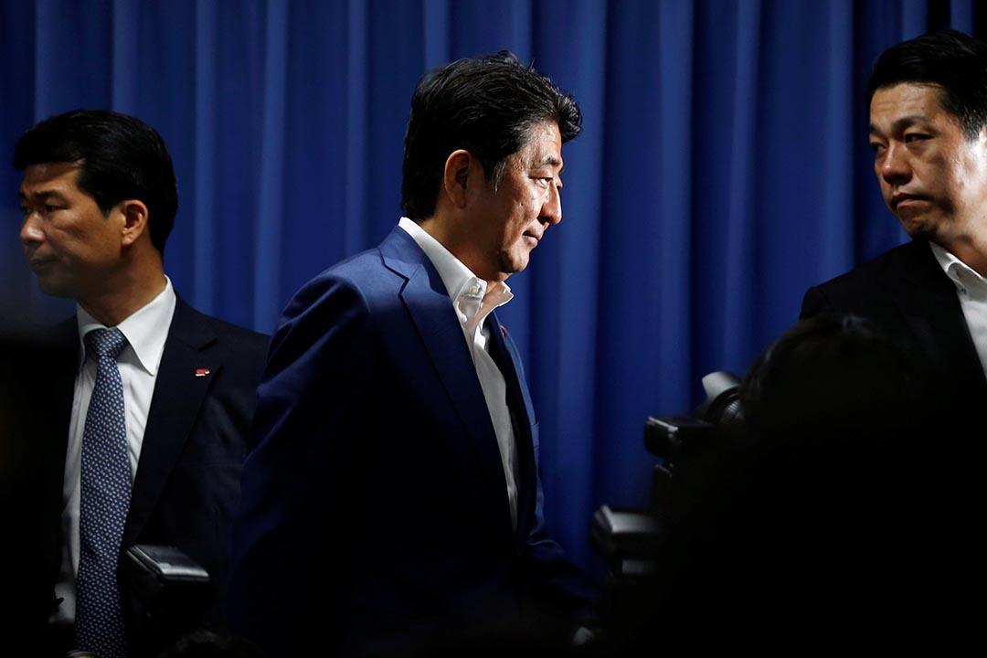 安倍大勝日本參議會選舉,取得2/3議席。