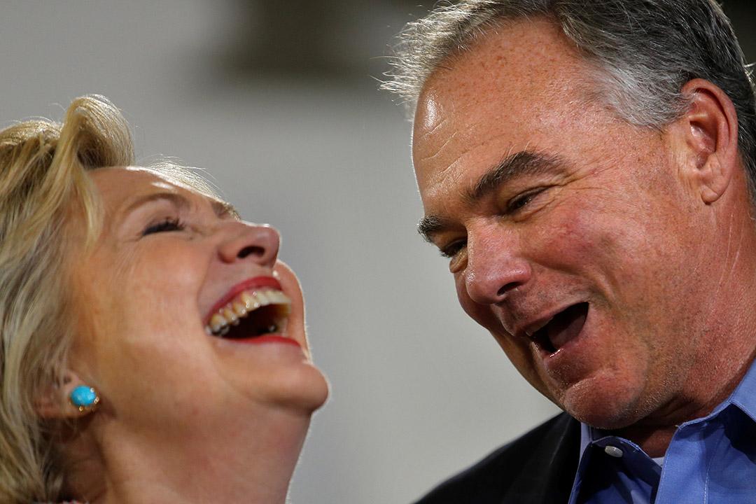 美國民主黨總統候選人希拉妮宣布參議員凱恩為競選搭檔。