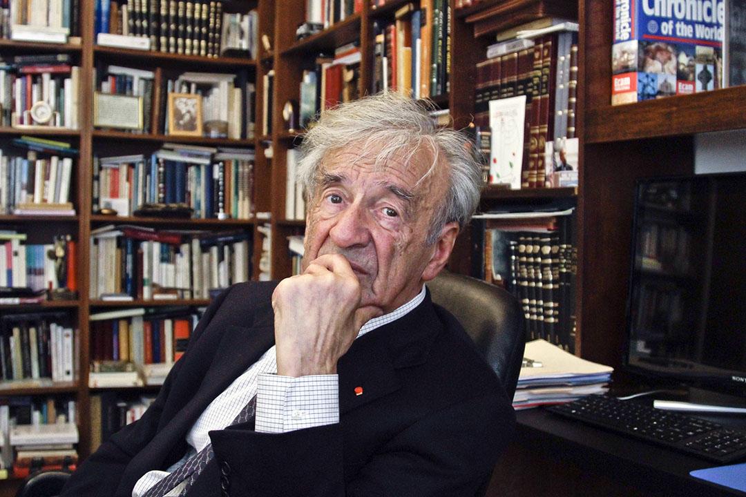 諾貝爾和平獎得主,猶太人大屠殺倖存者作家埃利.威瑟爾( Elie Wiesel )。