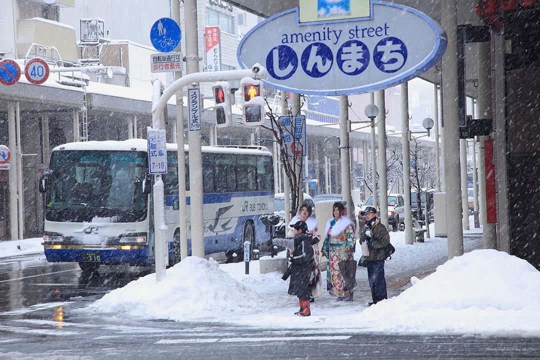 下著大雪的輕津。