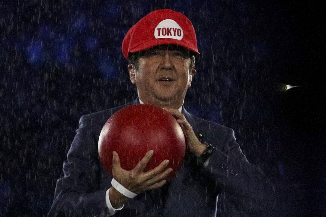 2016年8月22日,巴西里約熱內盧,日本首相安倍晉三以遊戲人物超級馬里奧造型現身巴西里約奧運會閉幕禮。