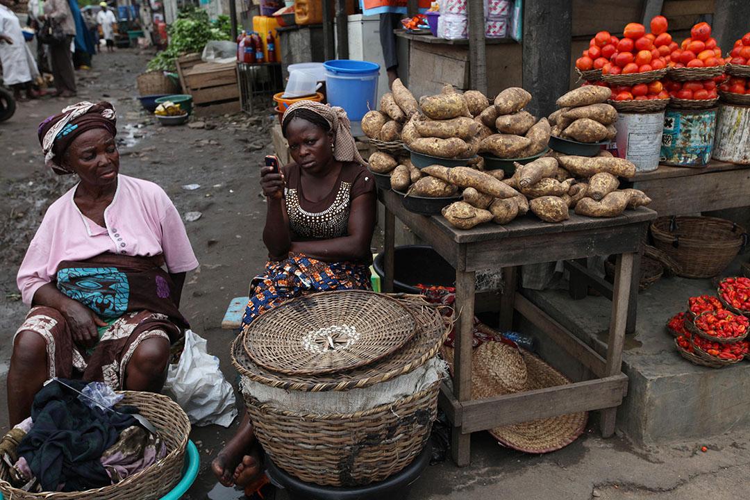 尼日利亞拉各斯市場的小販。