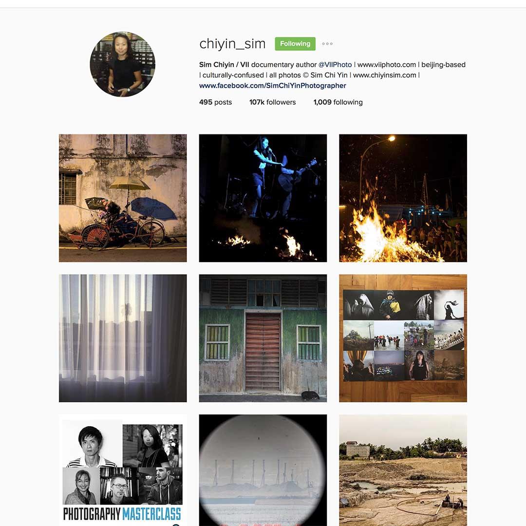 Sim Chi Yin (@chiyin_sim),駐北京自由攝影師,VII圖片社成員,《紐約時報》特約攝影師,長期關注社會問題及移民課題,曾獲多個國際新聞攝影比賽獎項。