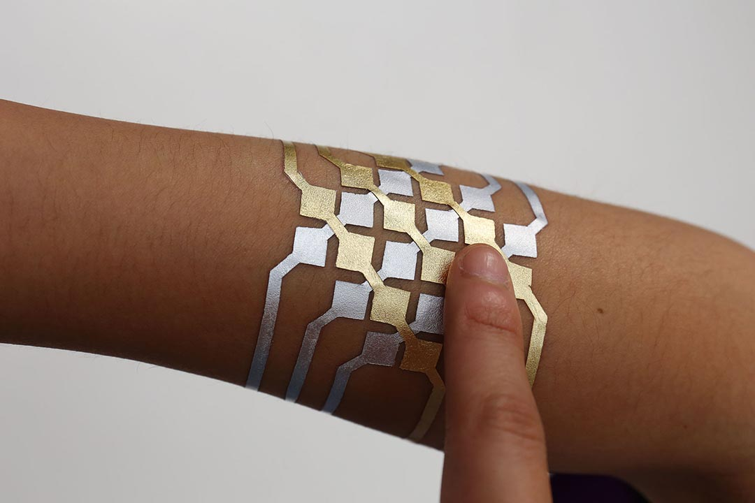 微軟和MIT合作開發智能紋身DuSkin,可以控製手機。