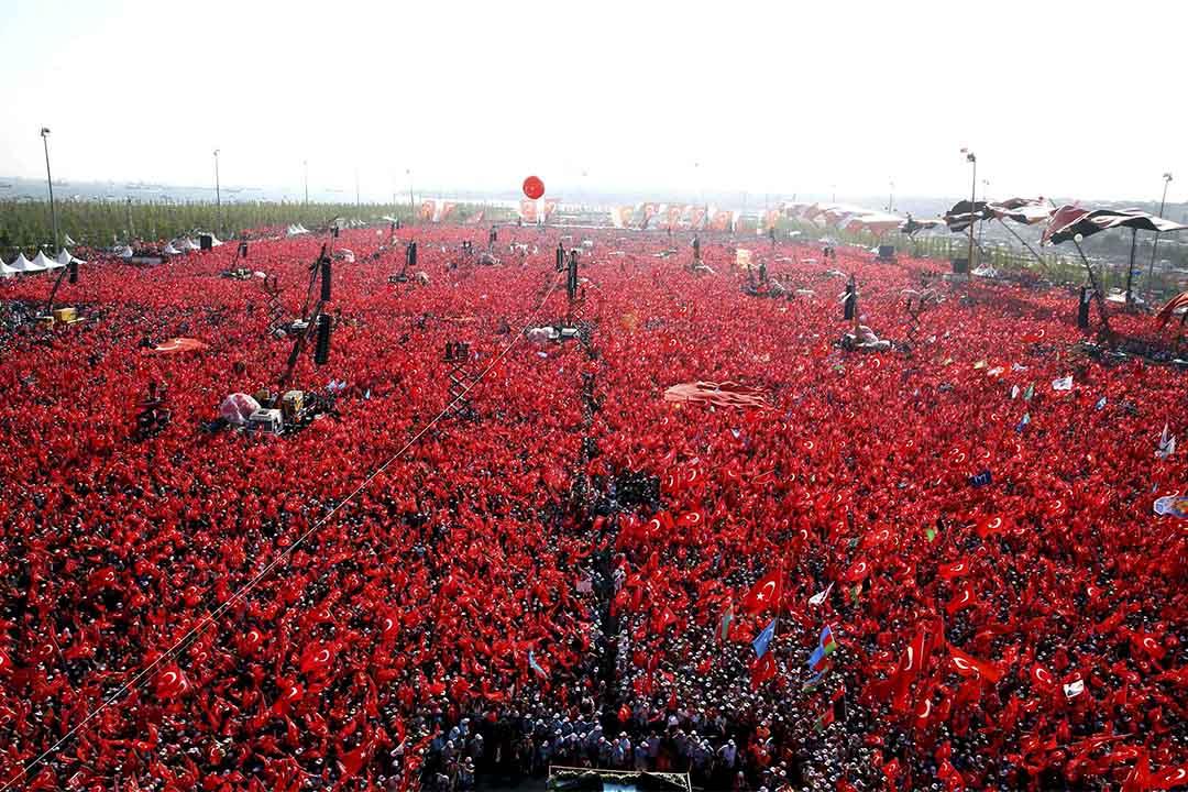 土耳其政府支持者發起百萬人集會。
