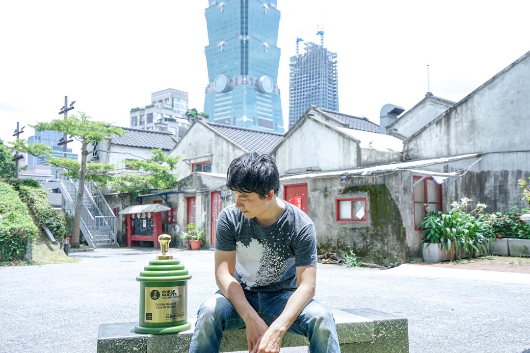 拿下世界咖啡大師賽冠軍的台灣咖啡師吳則霖,始終在意的是如何在咖啡這條路上走得更遠。