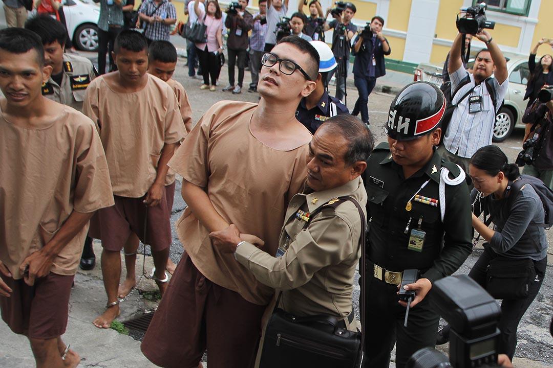 反對泰國新憲法被捕的學生其中一人Rangsiman Rome。