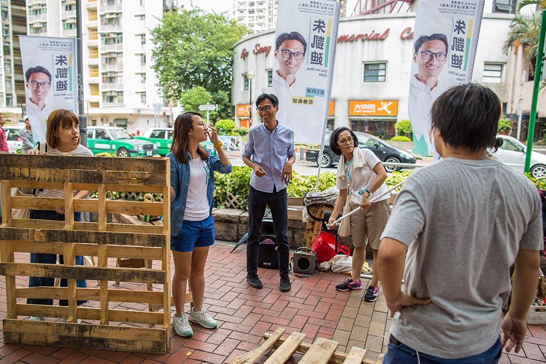 2016年7月31日,朱凱廸於屯門建生邨的街站活動。