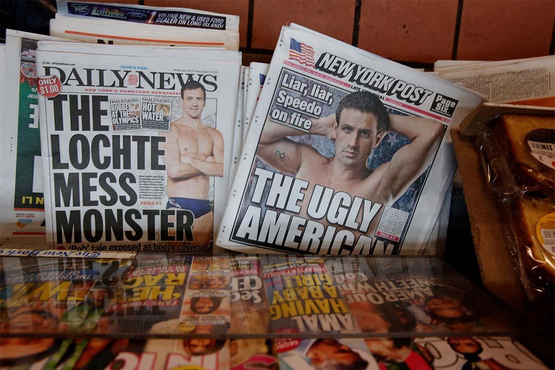 2016年8月19日,美國紐約,報紙報導洛赫特謊稱遭搶劫。