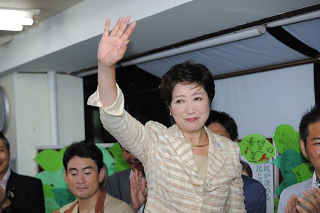 東京都第一位女知事小池百合子。