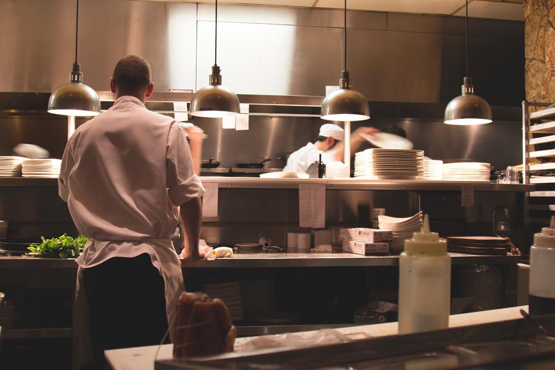 廚師的工作不但關乎美學、品味,更是關乎身體實作。