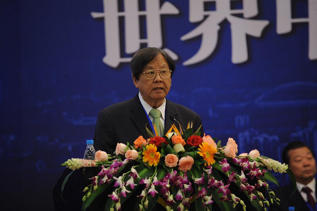 張曉卿在第42屆世界中文報業協會年會上致辭。
