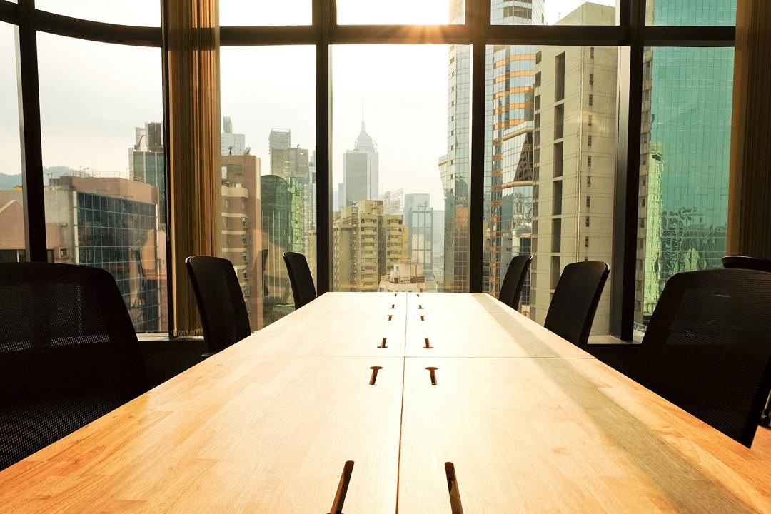 WeWork表面上是經營辦公空間租賃,但他們經常強調自己不是在經營一個空間,而是社區,還有服務。