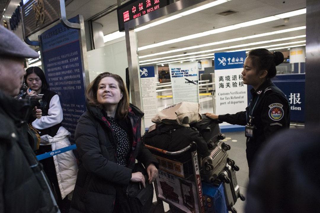 2015年12月31日,法国《新观察家》(L'Obs)杂志前驻华记者郭玉(Ursula Gauthier)被中国政府驱逐离境。