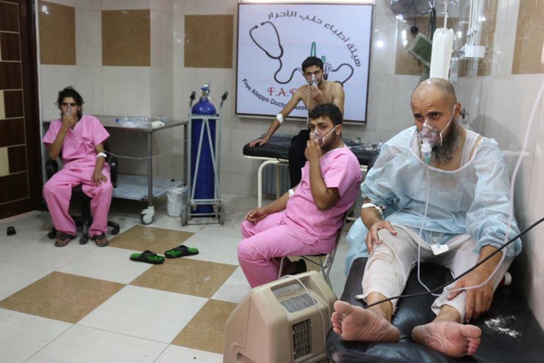 敘利亞政府軍被指在阿勒頗投下氯氣炸彈,當地人出現呼吸困難。